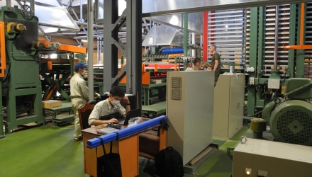 A NEW AUTOMATIC HOT PRESS HAS BEEN INSTALLED AT MOSTOVDREV JSC PLYWOOD PRODUCTION FACILITY